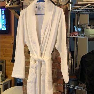 Terri cloth bathrobe with pockets.